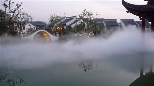 """人造雾中的""""雾""""是如何喷出的"""